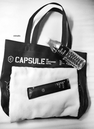 capsule by container