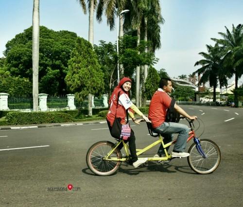 sepeda-wisata-tmii