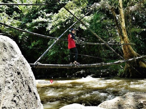 jembatan-curug-cikanteh