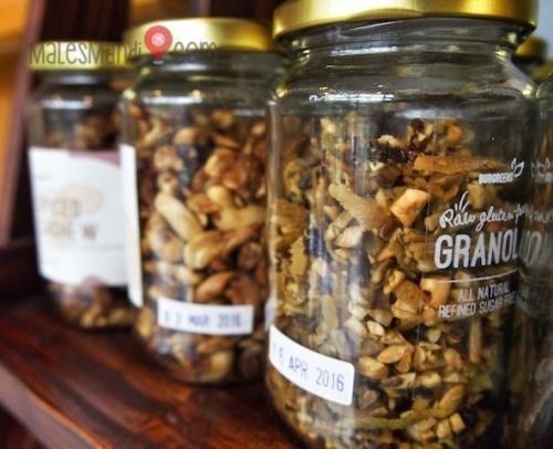 burgreeens-granola