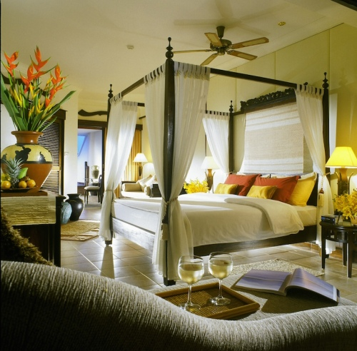 Floral-Suite-Bedroom