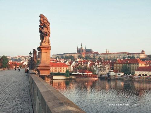 statue-charles-bridge
