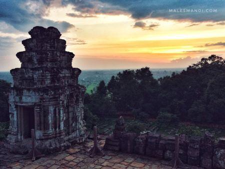 sunset-phnom-bakheng