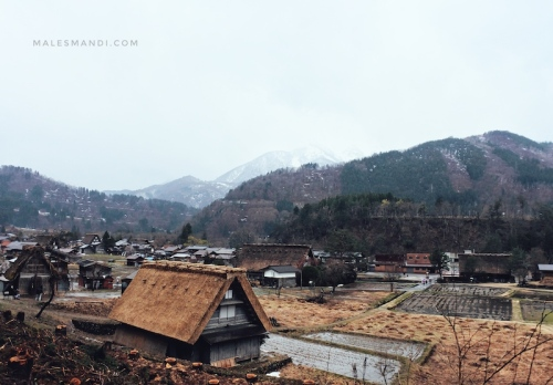 shirakawa-go-gunung