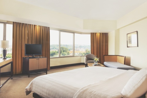 executive-room-santika