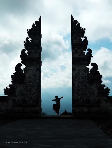 heaven's-gate-pura-lempuyang