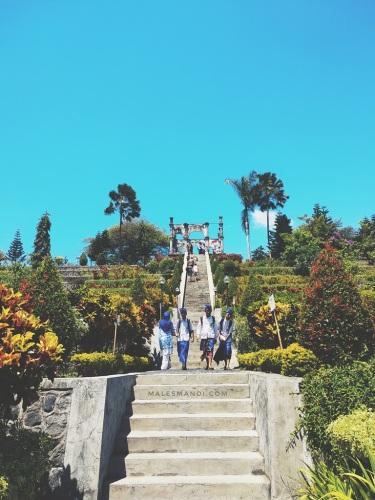 tangga-taman-ujung