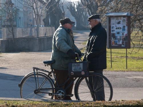 interaksi-orang-lokal