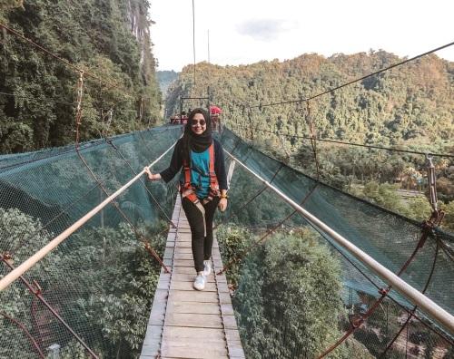 helena-sky-bridge